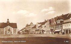 Neidenburg, Ostpr. Markt mit Rathaus Verlag Otto Kniess, Buch- u. Papierhandlung, Neidenburg.