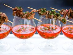 Spansk tapas Spanish Food, Spanish Recipes, Iron Chef, Food For Thought, Kiwi, Starters, Punch Bowls, Appetizers, Plates