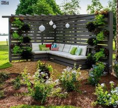 75 Easy Cheap Backyard Privacy Fence Design Ideas - Bailee News Diy Privacy Fence, Privacy Fence Designs, Privacy Landscaping, Backyard Privacy, Pergola Designs, Patio Design, Garden Privacy, Privacy Screens, Landscaping Design