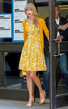 Taylor Swift in New York. Cute or Dowdy?
