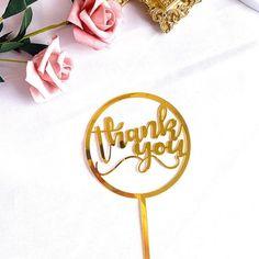 Op zoek naar taartdecoratie om iemand te bedanken? Met deze 'Thank You' taarttopper van acryl zeg je op een mooie manier 'bedankt'.
