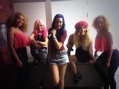 Alba, Sonia y Rocío con Naima y Tamara, sus bailarinas