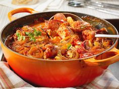 DAS Party Schlemmertopf Rezept – richtig deftiger deutscher Eintopf *** The famo… THE Party Schlemmertopf recipe – really hearty German stew *** The famous German Gourmet Stew Party Finger Foods, Party Snacks, Healthy Eating Tips, Healthy Recipes, Simple Recipes, Healthy Nutrition, Party Buffet, Brunch Party, Goulash