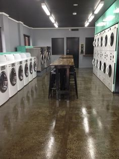 Laundry Logo, Laundry Shop, Coin Laundry, Laundry Design, Laundry Tips, Coin Laundromat, Laundromat Business, Laundry Business, My Beautiful Laundrette