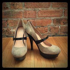 Jessica Simpson Snakeskin/Suede Heels