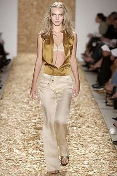 Anne Klein Spring 2004 Ready-to-Wear Fashion Show Collection