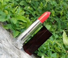 Citrine's Blog - Lip gloss, lipstick and all that good stuff...: Maybelline Color Sensational Lipstick in Coral Crush