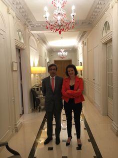 La comédienne Anne Roumanoff et le directeur du Majestic Hôtel et Spa monsieur Garnier