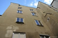 the quadrangle from Georg Trakl House at Waagplatz (Scales square) downtwon Innsbruck, Salzburg, Georg Trakl, Bavaria, Austria, Beautiful Places, Mansions, House Styles, Home