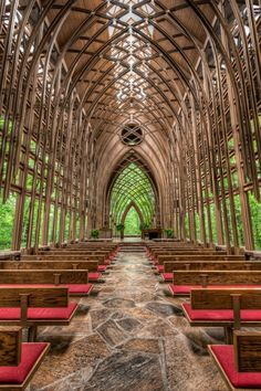 My favorite place in the world- Glass Chapel in Eureka Springs, Arkansas. So glad Fay Jones built a glass chapel in Ft. Beautiful World, Beautiful Places, Amazing Places, Peaceful Places, It's Amazing, Amazing Photos, Chapel In The Woods, Eureka Springs, Chapelle