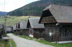 Cicmany - Slovaquie Vernacular Architecture, European Countries, Bratislava, Czech Republic, Romania, Poland, Nostalgia, Cabin, Explore