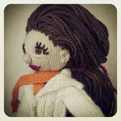 made by tinemor Free Pattern, Winter Hats, Barn, Crochet Hats, Rag Dolls, Patterns, Fashion, Knitting Hats, Fabric Dolls