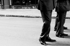 Unternehmensnachfolge richtig planen – So sichern Sie Ihrem Lebenswerk die Zukunft - Außerfamiliäre Unternehmensnachfolge: Wenn eine Familiennachfolge ausscheidet, hat der Unternehmer für die Nachfolge im Wesentlichen drei Optionen.