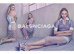 バレンシアガ(BALENCIAGA)の2015年春夏広告キャンペーンに、サーシャ・ピヴォヴァロヴァが登場。 ( page 2 )   VOGUE
