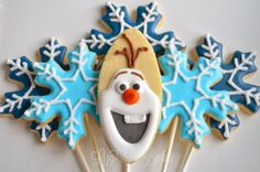 Lizy B: Snowflake Cookies for a Frozen Movie Party! Disney Frozen Party, Frozen Birthday Party, Frozen Movie Party, Cookies For Kids, Cute Cookies, Sugar Cookies, Snowflake Cookies, Christmas Cookies, Christmas Ornaments
