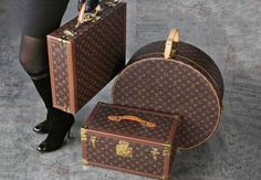 it is my dreeeaaaaam to own an LV luggage set