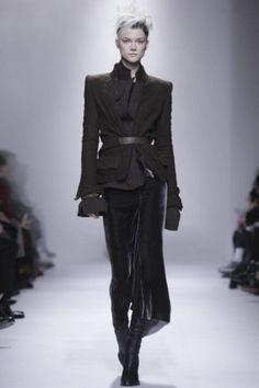 Haider Ackermann is now one of my favorite designers. I truly love his work and his style. Avant garde desinger Haider Ackermann Fall Winter Ready To Wear 2013 Paris. #FW2013 #PFW