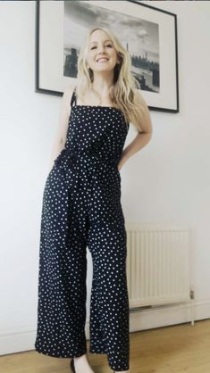 Kerryn's Safiya Dungarees - Sewing pattern by Tilly and the Buttons Making Clothes, How To Make Clothes, Vintage Sewing Patterns, Sewing Ideas, Company Ideas, Tilly And The Buttons, Dungarees, Refashion, Dressmaking