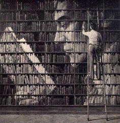 Preciosa creación hecha con libros!