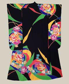 Furisode, Mid-Showa A bold formal chirimen polyester furisode featuring abstract rose motifs. from sleeve-end to sleeve-end x height. The Kimono Gallery Japanese Costume, Japanese Kimono, Geisha, Furisode Kimono, Japanese Textiles, Japanese Patterns, Kimono Design, Wedding Kimono, Japanese Aesthetic