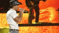 Tim McGraw Is Hot : theBERRY