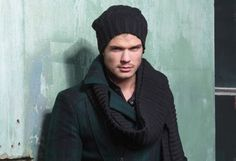 Knitting instructions male cap Source by gerhardkoester Winter Hats, Men Sweater, Cap, Knitting, Sweaters, Blog, Kante, Fashion, Caps Hats