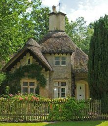 This tiny house is darling. It makes me want to be a hobbit or live in a shire. Standout Small Cabin Plans . . . Tiny Treasures!