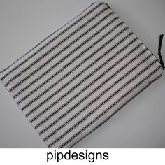 """Zipped Kindle Touch 6"""" Wi Fi 6 Case Cover Pouch Black and White Pin Stripes £9.00"""