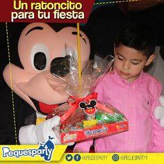 Mickey puede ser la razón para pasar un día divertidisimo en tu cumple . . . #pequesparty #mickeymouse #mickey #fiestainfantil #maracaibo #niños #fiesta #disney