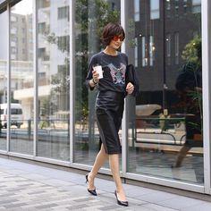 いいね!4,623件、コメント39件 ― TOMIOKA YOSHIKO OFFICIALさん(@yoshikotomioka)のInstagramアカウント: 「#outfit アイテムについてはタップしてみてくださいね」