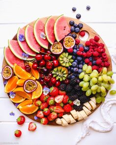 Our Team is always choosing the best Fruit for you with passion and love. Our premium fruits are carefully selected and. For see more of fitness life images visit us on our website ! Fruit Recipes, Appetizer Recipes, Burger Recipes, Muffin Recipes, Fruit Platter Designs, Party Food Platters, Fruit Platters, Charcuterie Recipes, Healthy Snacks