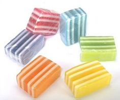 Jabones de glicerina de colores para los invitados de tu boda