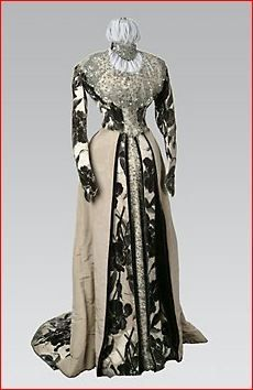 house of worth evening gowns | House of Worth, Iris-Patterned Evening Gown, Fin de Siecle Period ...