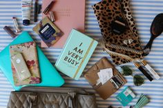 Glitter and Gingham : what's in my bag + a giveaway!