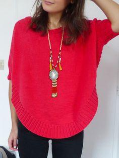 Je pense que ce pull est celui sur lequel j'aurai le moins parié en le voyant. Je ne porte quasiment JAMAIS de rouge, ce n'est vraiment pas ma couleur. C'e