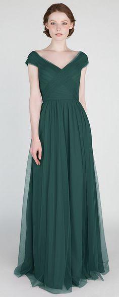 elegant emerald green v neck tulle bridesmaid dress for 2018 trends #bridesmaiddresses #bridalparty #greenwedding