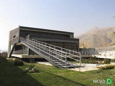 خانه دو پوسته ی لواسان ، طراحی ویلا برای ارتباط با طبیعت | چیدانه Iranian, Modern Architecture, Beautiful Homes, Contemporary, House Of Beauty, Modernism, Contemporary Architecture