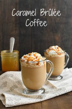 Brûlée Caramel Coffee - Make a coffeehouse-style drink at home in just minutes! Coffee, milk, caramel sauce and a touch of brown sugar come together to make a sweet caramel coffee treat! Caramel Coffee Recipe, Caramel Brulee Latte, Ninja Coffee Bar Recipes, Coffee Drink Recipes, Café Latte, Latte Art, Yummy Drinks, Yummy Food, Delicious Desserts