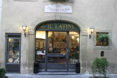 Il Latini, Via Palchetti 50123 Florence, Italy. Reservations recommended, but not reqired. Hotels In Florence Italy, Florence Restaurants, Florence City, Florence Food, Cool Places To Visit, Places To Travel, All About Italy, Visit Italy, Italy Travel