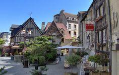 Με 51% του πληθυσμού να είναι ανύπαντρο παρά τις θρησκευτικές παραδόσεις του, η γαλλική πόλη Caen δεν χαρακτηρίστηκε άδικα ως η πόλη των εργένηδων.
