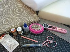 French Mattress Edge Floor Cushions: Waverly World   Sew4Home