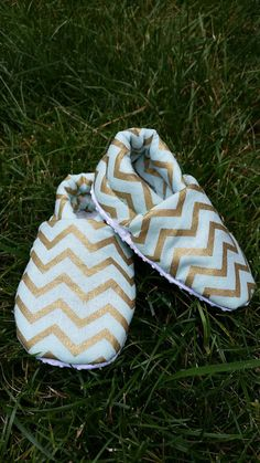 Check out this item in my Etsy shop https://www.etsy.com/listing/464296891/baby-slippers-baby-booties-chevron-shoes