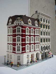 ... an extension to Grrr's mind...: Neoclassical Lego buildings