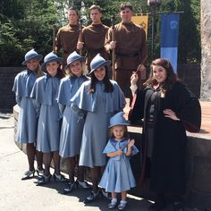 Lane Rouch, Beauxboton Mini Me, The Beauxboton & Durmstrang Teams @ Universal Studio's Mode Harry Potter, Harry Potter Jk Rowling, Harry Potter Cosplay, Harry Potter Halloween, Harry Potter Memes, Harry Potter World, Fleur Delacour, Very Potter Musical, Halloween Costumes