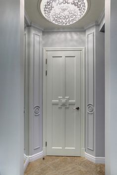 - Двери, лестницы из массива, мебель