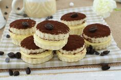 BISCOTTI RIPIENI di CREMA TIRAMISU Biscuits, Biscotti Cookies, Profiteroles, Mini Desserts, Cheesecake, Cooking, Sweet, Food, Valentino