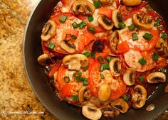 Gourmet Girl Cooks: Pizza Style Skillet Chicken - Low Carb