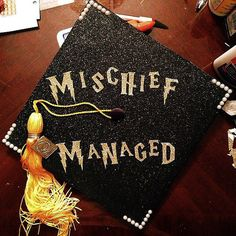 55 ways to decorate graduation caps. I solemnly swear that I am up to no good.  Source: Instagram user averysays