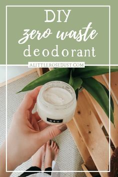 Making your own deodorant has many perks like saving money & waste and being non-toxic. Here's how to make your own zero waste deodorant that actually works Make Your Own Deodorant, Diy Deodorant, Diy Natural Deodorant, Natural Beauty Tips, Clean Beauty, Natural Baby, Natural Living, Beauty Care, Diy Beauty