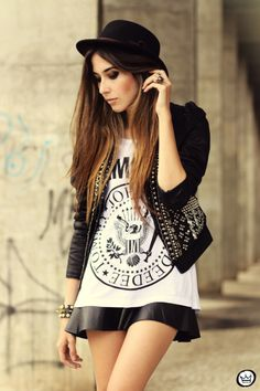 http://fashioncoolture.com.br/2013/05/20/look-du-jour-black-will-always-be-the-new-black/